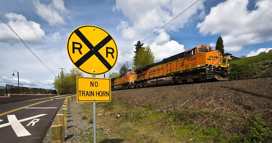 10 Safety Tips for Truck Drivers at Railroad Crossings